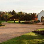¿Qué representan los parques cementerios en Montevideo?
