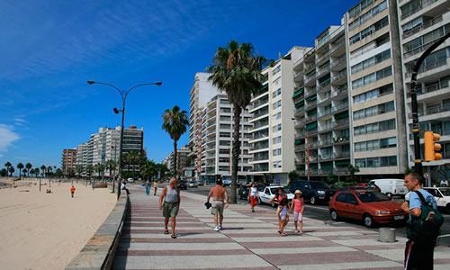 lugares-turisticos-de-Montevideo-Rambla 2