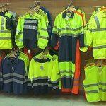 ¿Cuándo se debe usar ropa de seguridad en el trabajo?