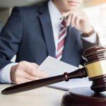 ¿Qué trabajo realizan los abogados?
