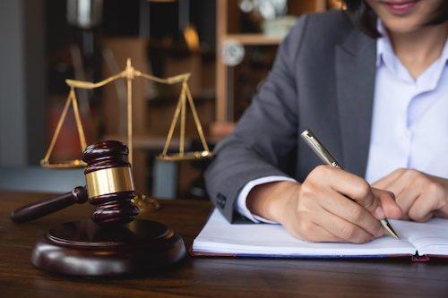 abogados comerciales