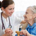 Cuatro importantes beneficios de las residencias para adultos