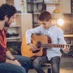 ¿Dónde tomar clases de guitarra en Montevideo?