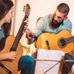Las academias para tocar la guitarra en Uruguay con más opciones de aprendizaje